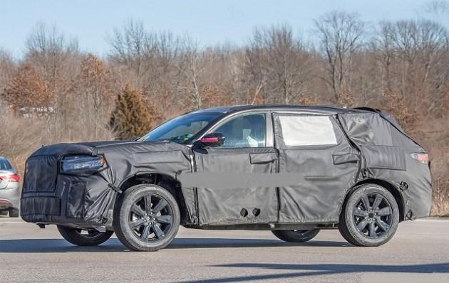 2023 Honda Pilot Hybrid side