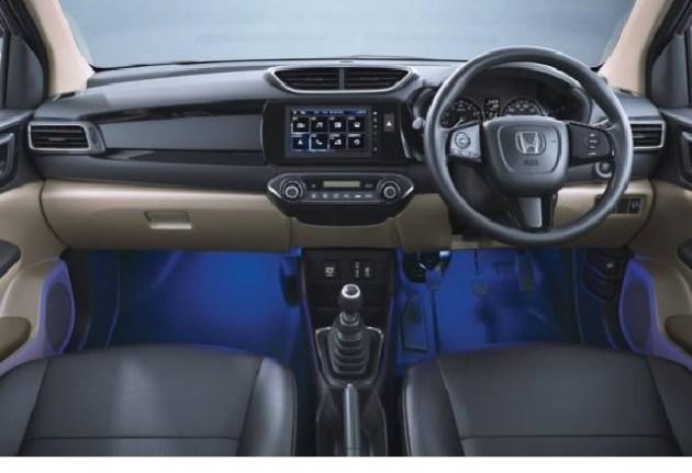 2023 Honda N7X interior