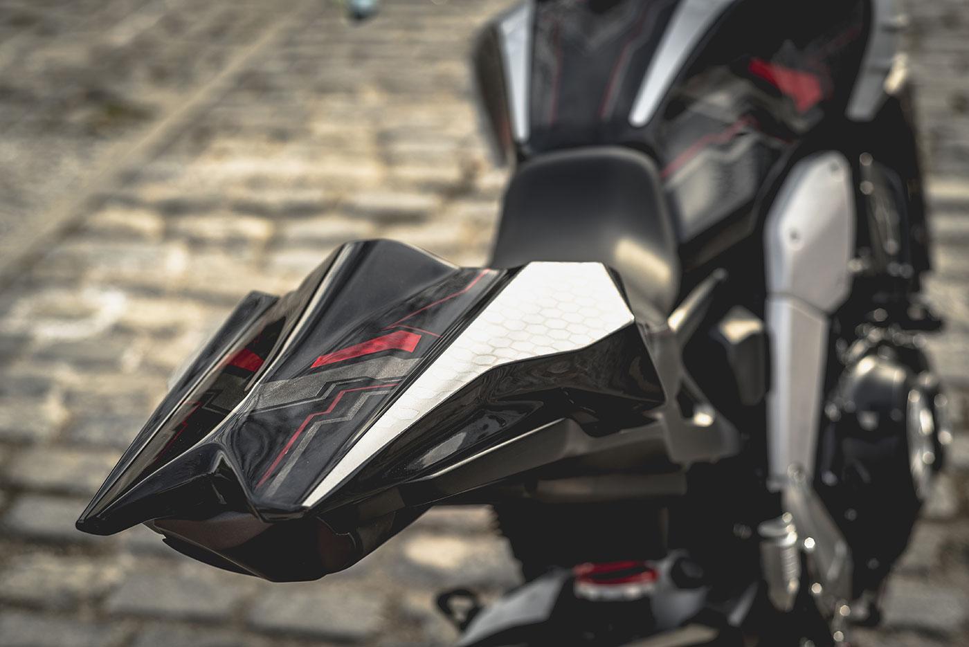 Bauxita. Honda Otobai