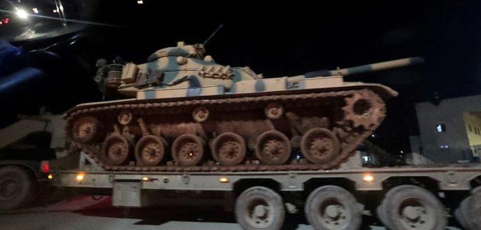 Turquía envía un convoy con equipos y camiones de municiones a Idlib