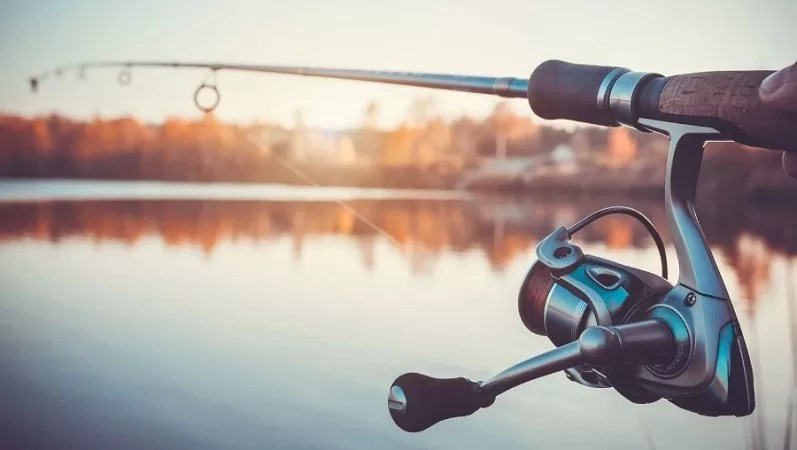 Fly Fishing Vs Regular Fishing: Which One is Right for You?
