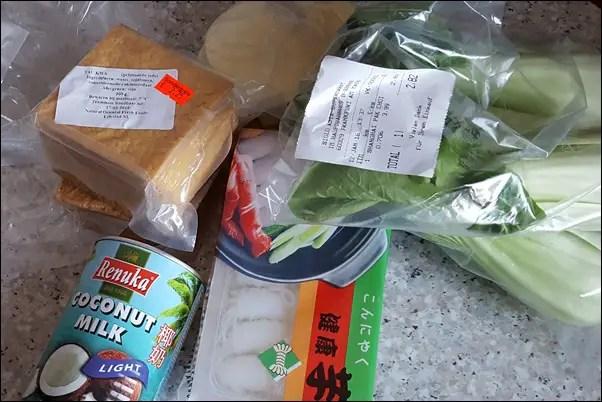 Kokos-Erdnuss-Suppe mit Garnelen (1)