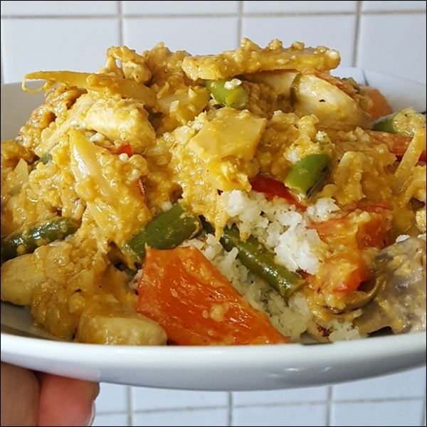 Blumenkohlreis mit Hühnchen-Curry