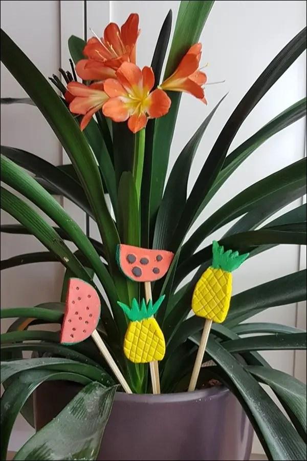 Blumendeko aus Salzteig - Ananas und Melone