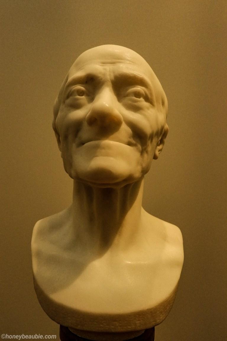 voltaire-bust-sculpture-louvre-museum