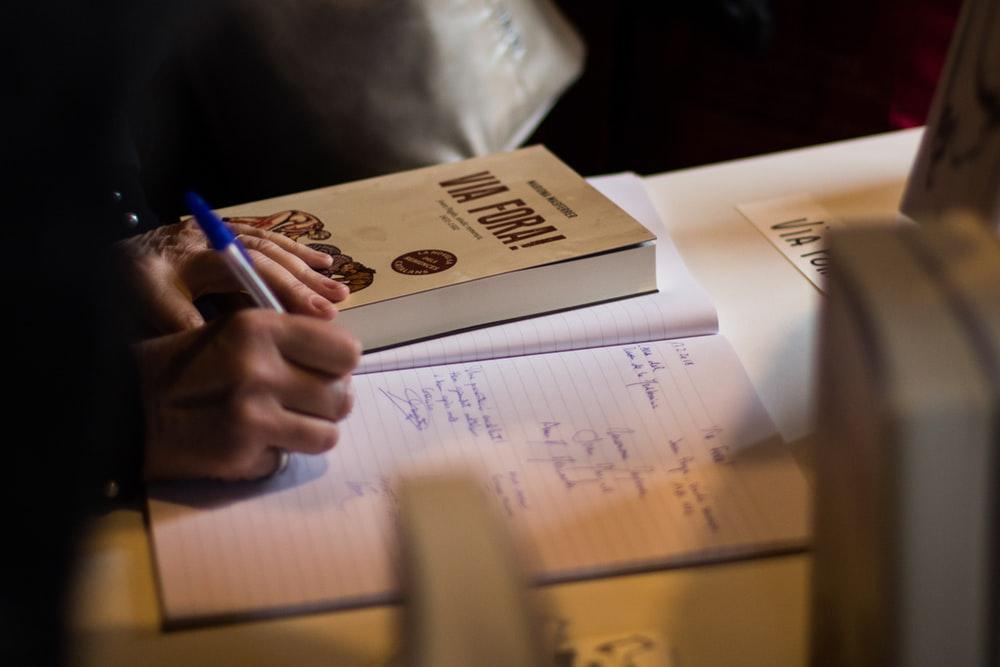 ESL Students: In-Class Essay – Sparrow's Tutoring