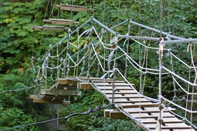 Foot-Bridge-to-Radium-Lake