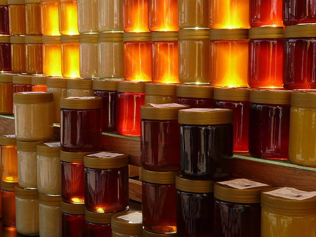 Extracted honey in jars. Is this honey safe to eat?