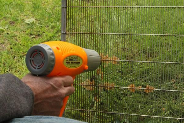 A-heat-gun-melts-the-beeswax-in-seconds.