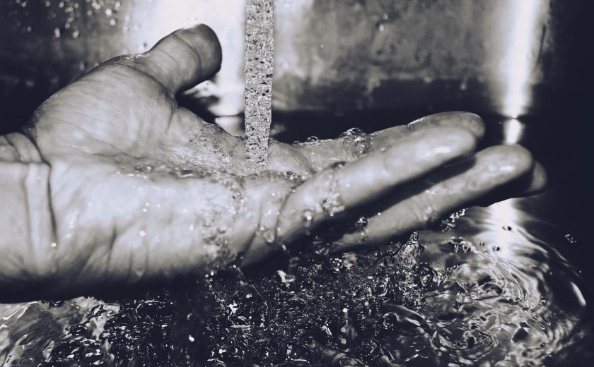 black-and-white-close-up-hand-165985