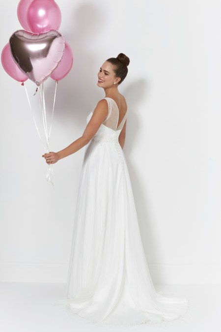 So Sassi Libby ivory bridal gown