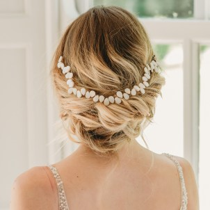 Handmade pearl bridal hair vine - Averie