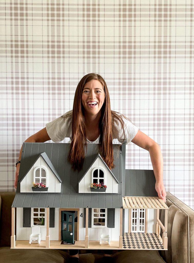 DIY Doll House Makeover
