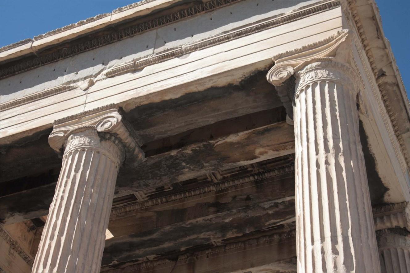 Colonnes du Temple d'Érechthéion sur l'Acropole d'Athènes