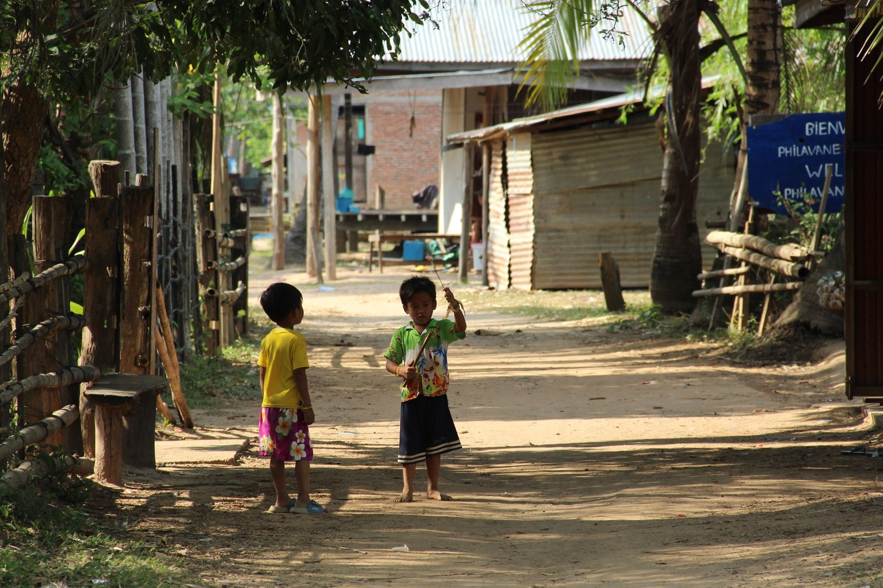 Children playing in a Don Khon village