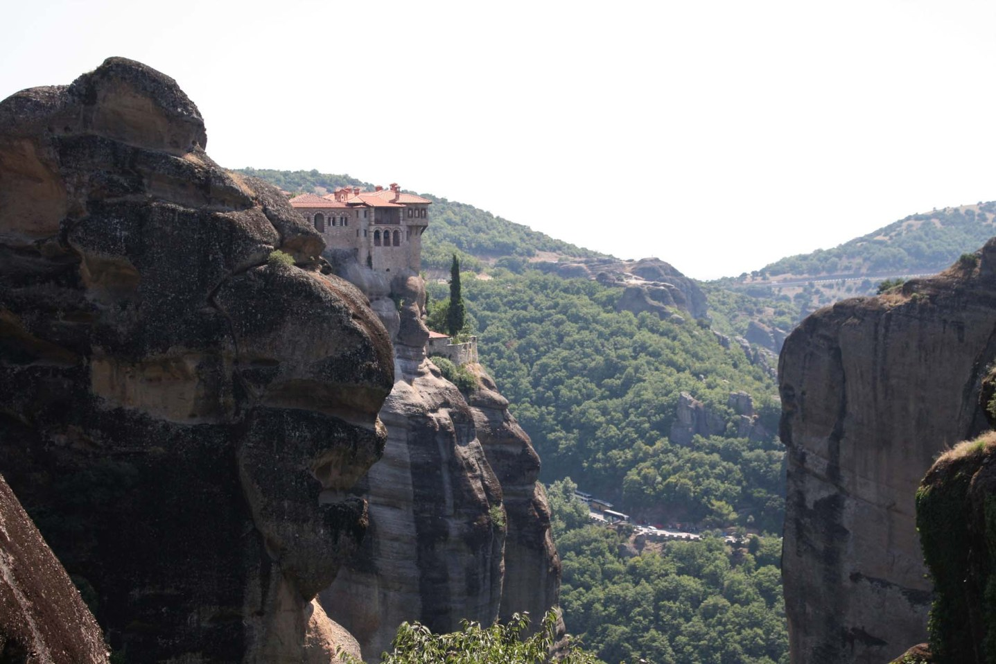 Monastère perché sur un rocher des Météores