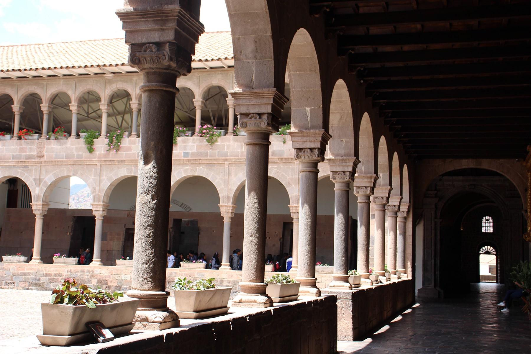 Cuzco Qorikancha columns