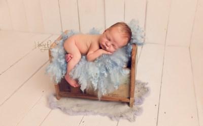 Shoreham Baby Photographer | Reggie 14 days old