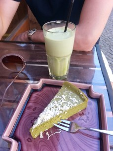 Green tea cheese cake with iced green tea latte