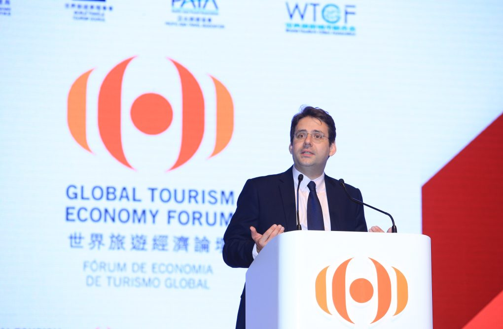 法國外貿旅遊及海外法國人事務國務秘書費科爾出席世界旅遊經濟論壇 - Consulat général de France à Hong Kong et Macao
