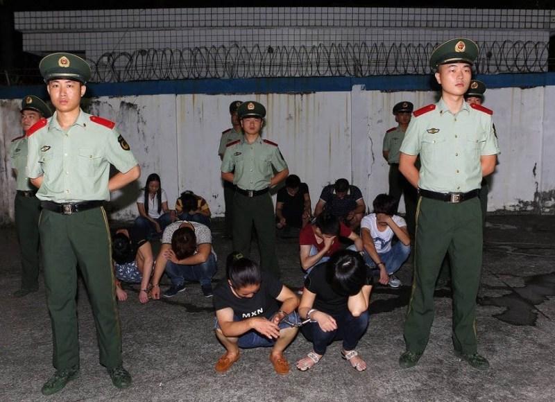 Group caught at Shenzhen border