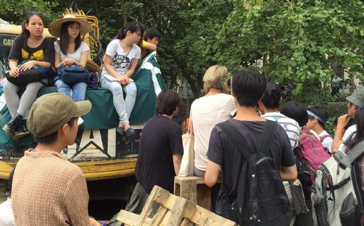 Protesters having a meeting at Ma Shi Po.