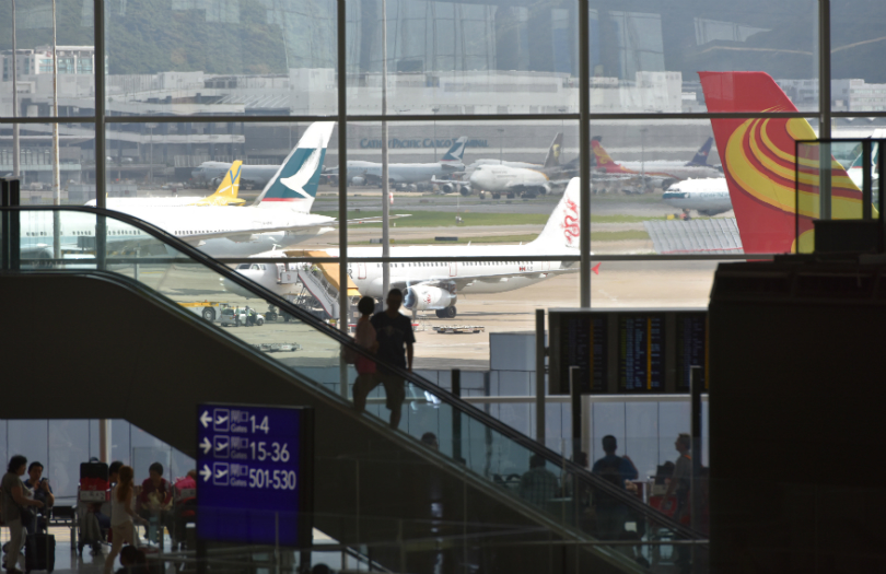 airport-people-passenger-interior-1