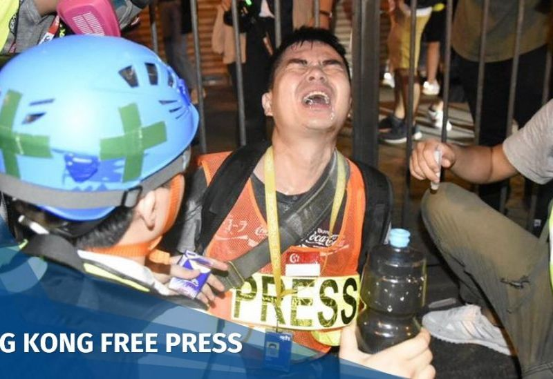 HKJA journalists press protests police