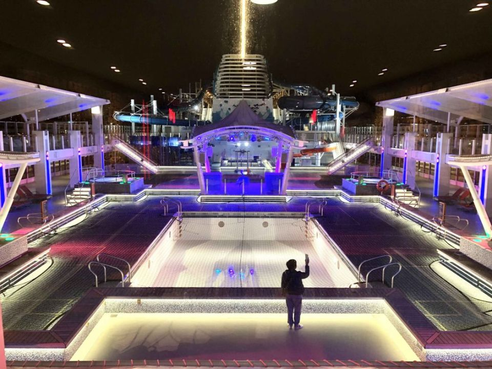 world dream swimming pool