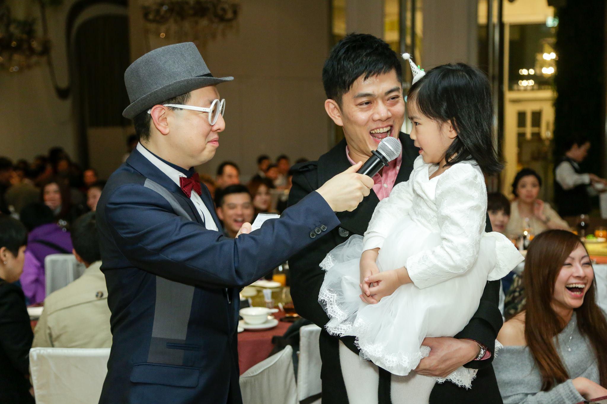 司儀主持人香港搞笑婚宴司儀:十仔工作相片