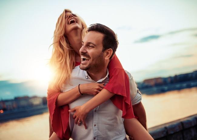 Die richtigen Menschen - ein glückliches Paar