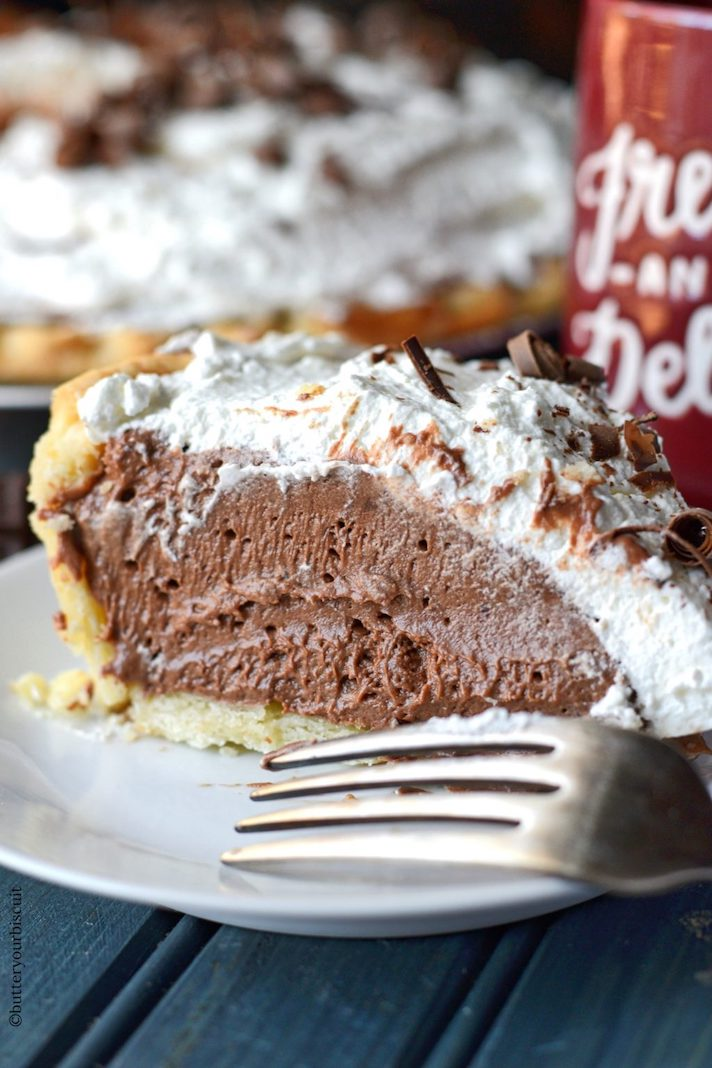 STYLECASTER | 17 Classic Pie Recipes That Deserve a Spot on Your Holiday Spread | Chocolate Cream Pie
