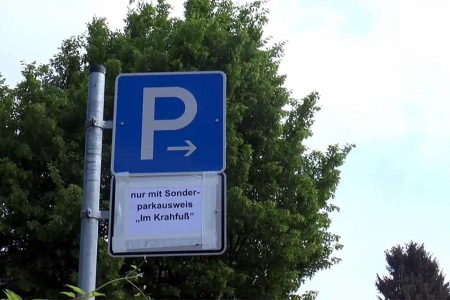 Park-Chaos: Sibi-Parkplatz wird jetzt von Cura-Mitarbeitern genutzt