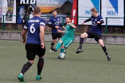 HFV2 Hertha Rheidt2 21 - HFV 2 besiegte Hertha Rheidt 2 in der letzten Spielminute
