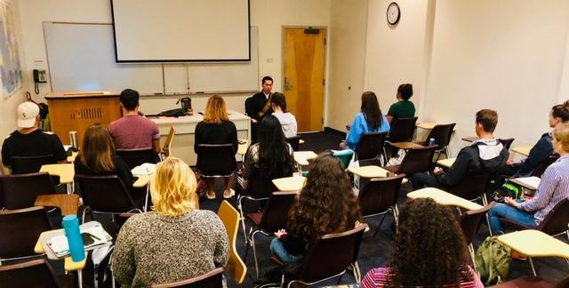 ハワイパシフィック大学での瞑想指導 1