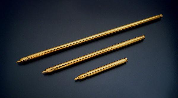 18金で作ったダイヤモンド入りのタッチペン「金のタッチペン」販売開始しました。