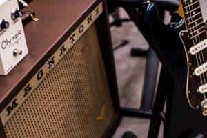 【ブログ】シングルコイル/ファズ/22Wアンプで「ヌケる音」を作る方法
