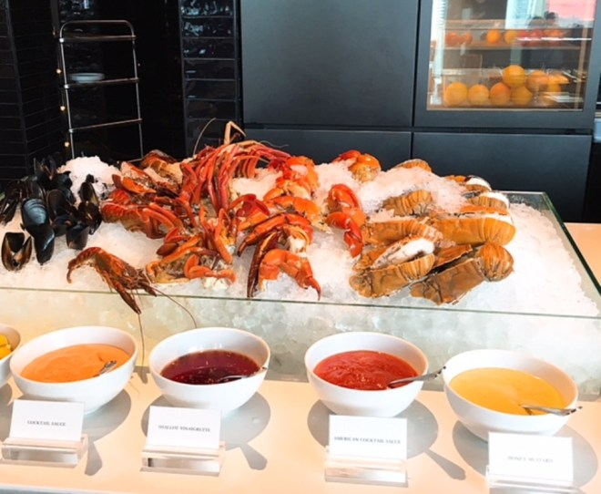 Crabs, slipper lobsters and other seafood