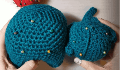 Elephants In Love | Free Crochet Pattern | Hooked by Kati
