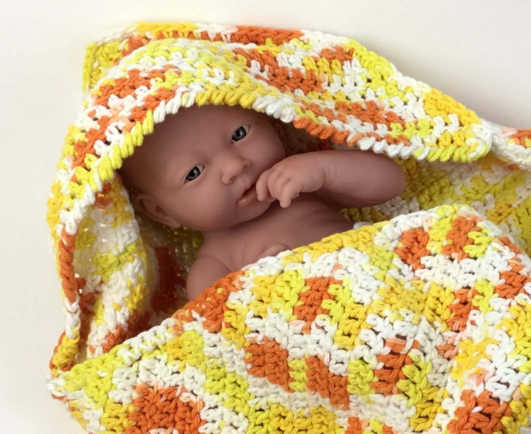 Adorable free pattern for crochet hooded baby towel and washcloth