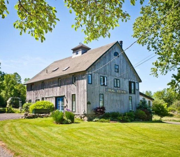 A Barn from the 1800s Becomes a House in Isleboro, Maine