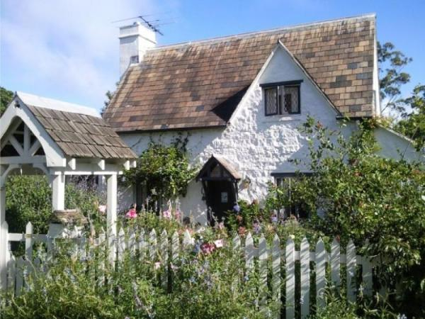 Fig Tree Cottage For Sale (White Picket Fence Included ...