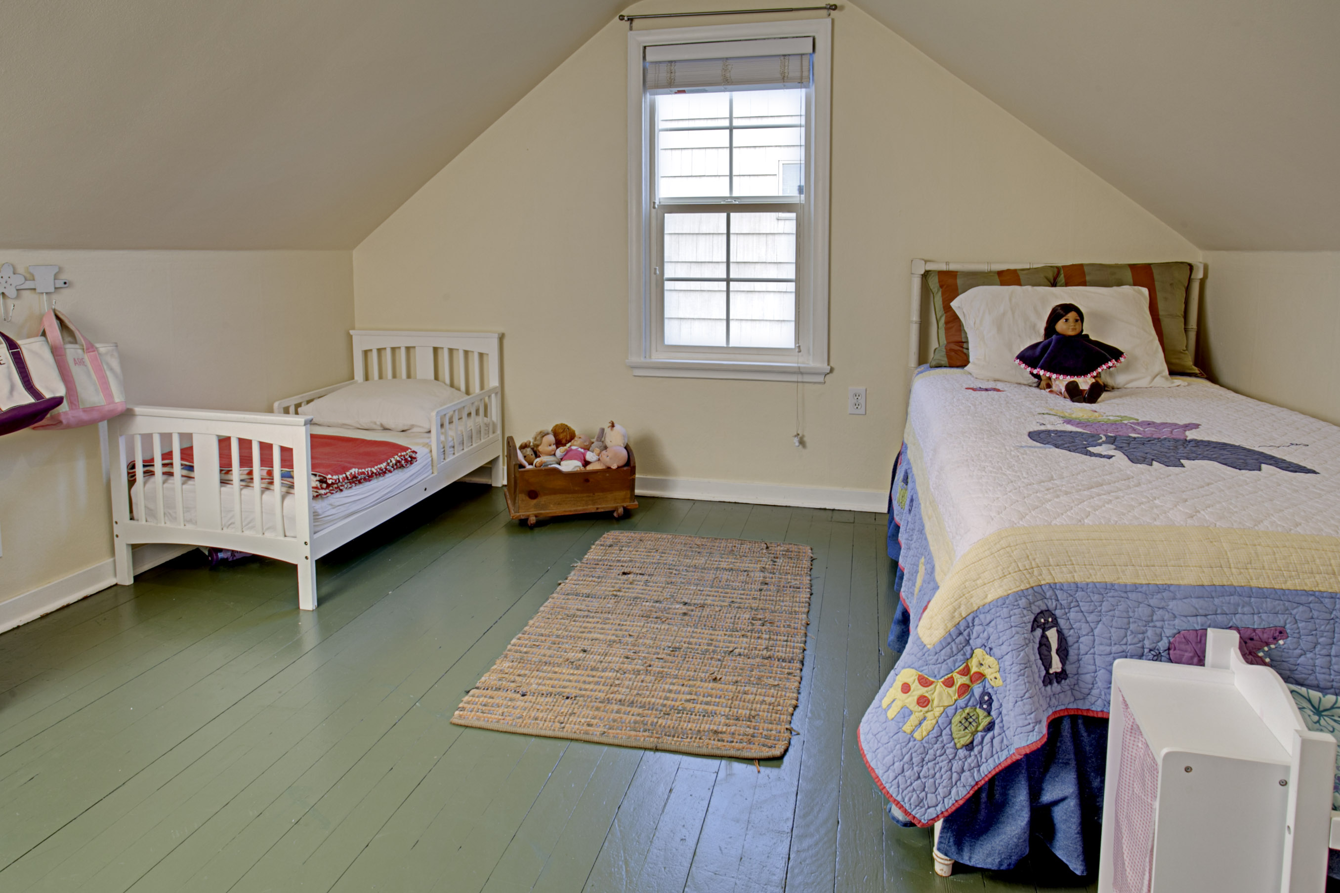 Cape Cod Bedroom Decorating Ideas Nrtradiant Com