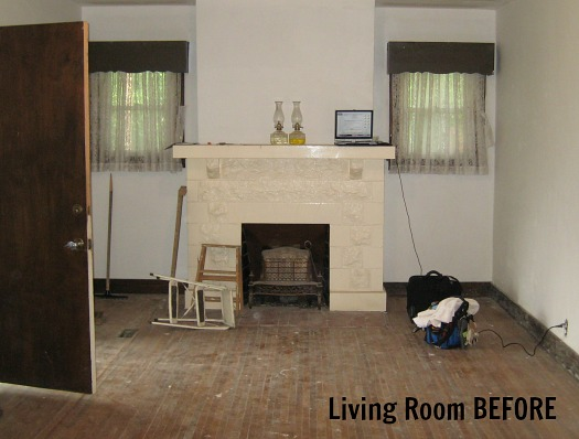 Bungalow living room BEFORE