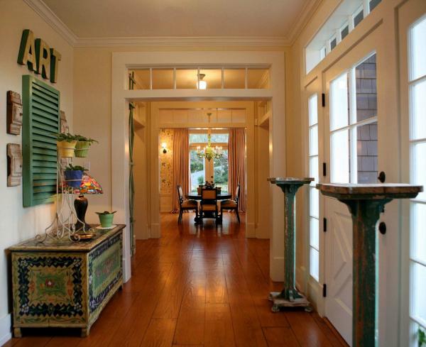 Alison Kandler's Colorful Farmhouse (3)