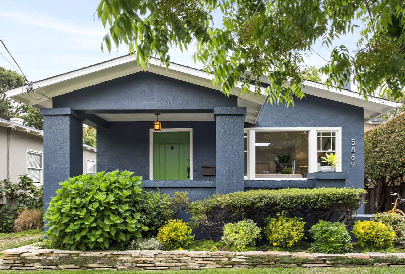 An Updated Stucco Bungalow For Sale In Rockridge Hooked On Houses