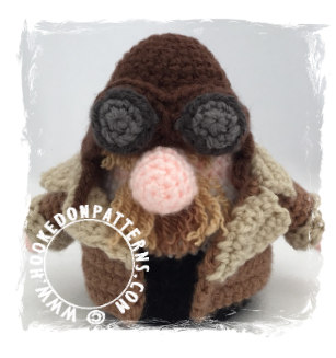 Top 5 Gonks - Pilot Gonk Crochet Pattern