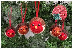 Robin Xmas Tree Baubles Free Crochet