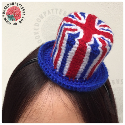 Crochet Union Jack Fascinator Free Pattern - A cute mini top hat fascinator, perfect for the Royal wedding celebrations! A crocheted Union Jack top hat to fasten onto a headband or hair clips.