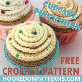 Free Cupcake Pin Cushion Crochet Pattern Feature Image for blog post